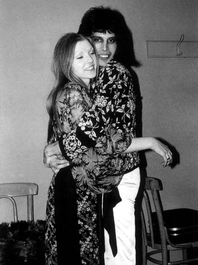18 pictures of freddie mercury with love of his life mary 18 pictures of freddie mercury with