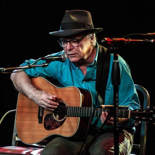 Singer David Olney Dies During Performance