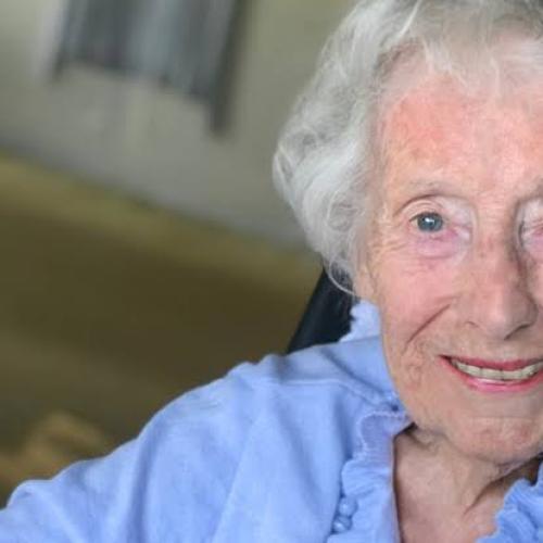 """We'll Meet Again"" Singer Dame Vera Lynne Dies Aged 103"