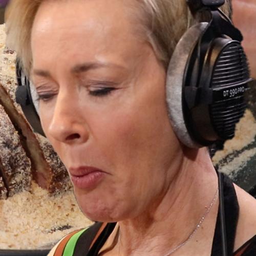 Amanda Keller Makes Us Aberdeen Sausage!